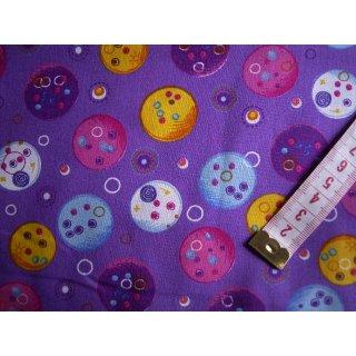 Patchworkstoff Baumwollstoff bedruckt lila mit bunten Kreise